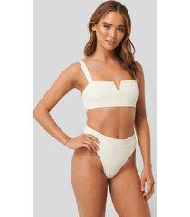 na-kd swimwear baddräkt med hög benskärning - white