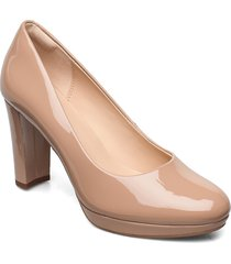 kendra sienna shoes heels pumps classic beige clarks