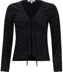 blusa con recogido en frente color negro, talla 6