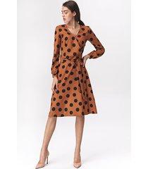 rozkloszowana sukienka midi s136 - grochy