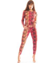 pijama thais gusmão longo agarradinha cobra colorido