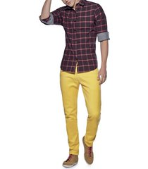 jeans amarillo atypical