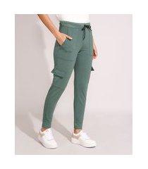 calça cargo de moletom básica cintura média verde militar