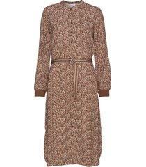 bellosz ls dress knälång klänning brun saint tropez
