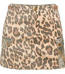 leopard-print cargo mini skirt