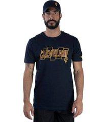 t-shirt new era regular cleveland cavaliers marinho