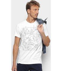 camiseta forum folhagens masculina