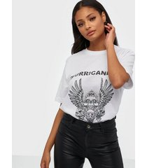 nly trend oversize expression tee oversized