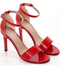 sandalia roja heyas casca