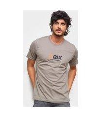 camiseta qix classic international simbol masculina