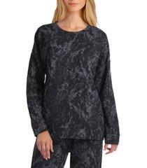 women's long sleeve crew neckline sweatshirt