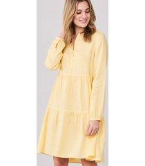 linnen jurk met ruche lagen
