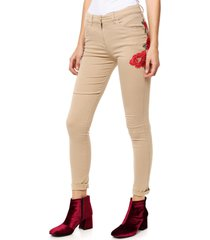 pantalon camel asterisco monsivais