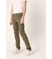 pantalón verde prototype full color
