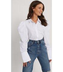 jldrae x na-kd ekologisk skjorta med veckad axel - white