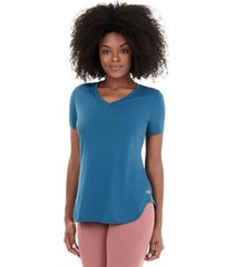 t-shirt alto giro skin fit alongada gola v verde strong 2111701 persian blue