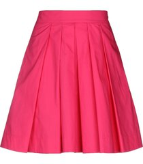 celebrities tricot knee length skirts