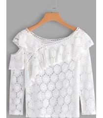 blusa de manga larga con hombros descubiertos y detalles de encaje blanco transparente