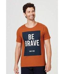 camiseta hering em malha de algodão com estampa masculina - masculino