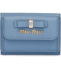 miu miu bow embellished tri-fold wallet - blue