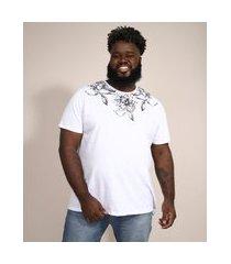 camiseta masculina plus size slim manga curta floral gola careca branca
