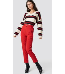 na-kd turn up belted pants - red