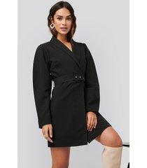 na-kd classic rounded sleeve blazer dress - black