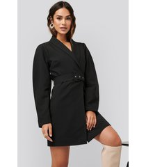na-kd classic rounded sleeve blazer dress - black