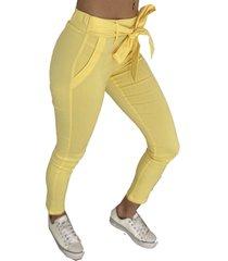 pantalón amarillo odas
