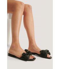 mango slip-in-sandal - black
