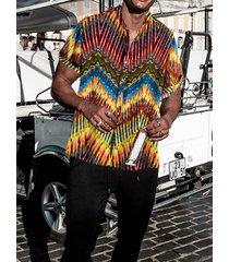 camisa de vacaciones de verano informal con cuello alto chevron hawaii para hombre