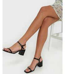 nly shoes square block heel sandal low heel