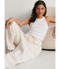 na-kd trend ekologiska mjuka sweatpants - white