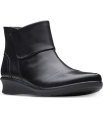clarks collection women's hope track leather booties women's shoes