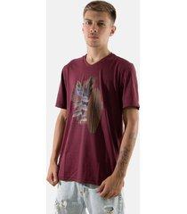 camisa t-shirt gola v rioutlet vinho 235 - branco - masculino - algodã£o - dafiti
