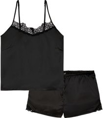 satinpyjamas med shorts