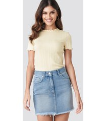 na-kd high waist raw hem denim skirt - blue