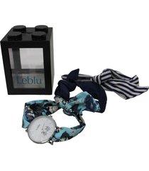 reloj azul leblu pañuelo