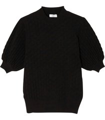 finstickad tröja med rund halsringning och kort puffärm