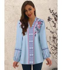 camicetta a maniche lunghe con scollo a v con stampa etnica di fiori plus