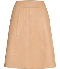 adalyn leather skirt kort kjol beige mos mosh