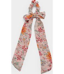 rory floral pony scarf - pink