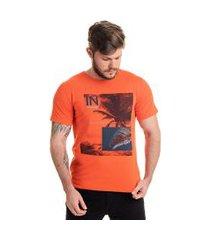 camiseta in laranja