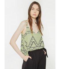 blusa estampada estilo pañoleta