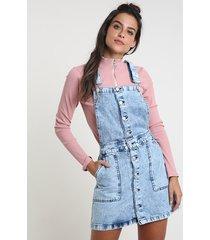 salopete jeans feminina com botões e bolsos azul médio