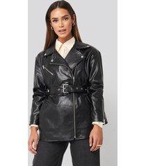 na-kd trend tied waist pu biker jacket - black