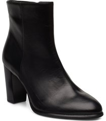 ugo_ne shoes boots ankle boots ankle boots with heel svart unisa