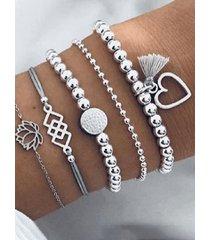pulsera de cinco piezas con estampado de flores y cuentas de plata corazón