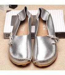 scarpe basse in pelle con lacci morbide e brillanti in tinta unita a grande taglia