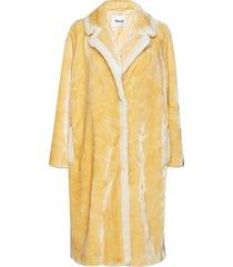 marianne coat outerwear faux fur geel stand studio